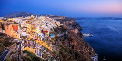 Best view in the sea in Santorini Greece, Travel in Europe, vacation in Greece, Greel Island, 1 Month Eurotrip, happy adventurous trip to  Europe, england, italy, france, germany, switzerland, travel route to europe, travel books